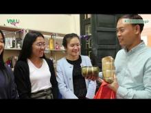 Embedded thumbnail for [Video] Trải nghiệm văn hóa - sinh viên nước ngoài ở lại Việt Nam đón Tết âm lịch